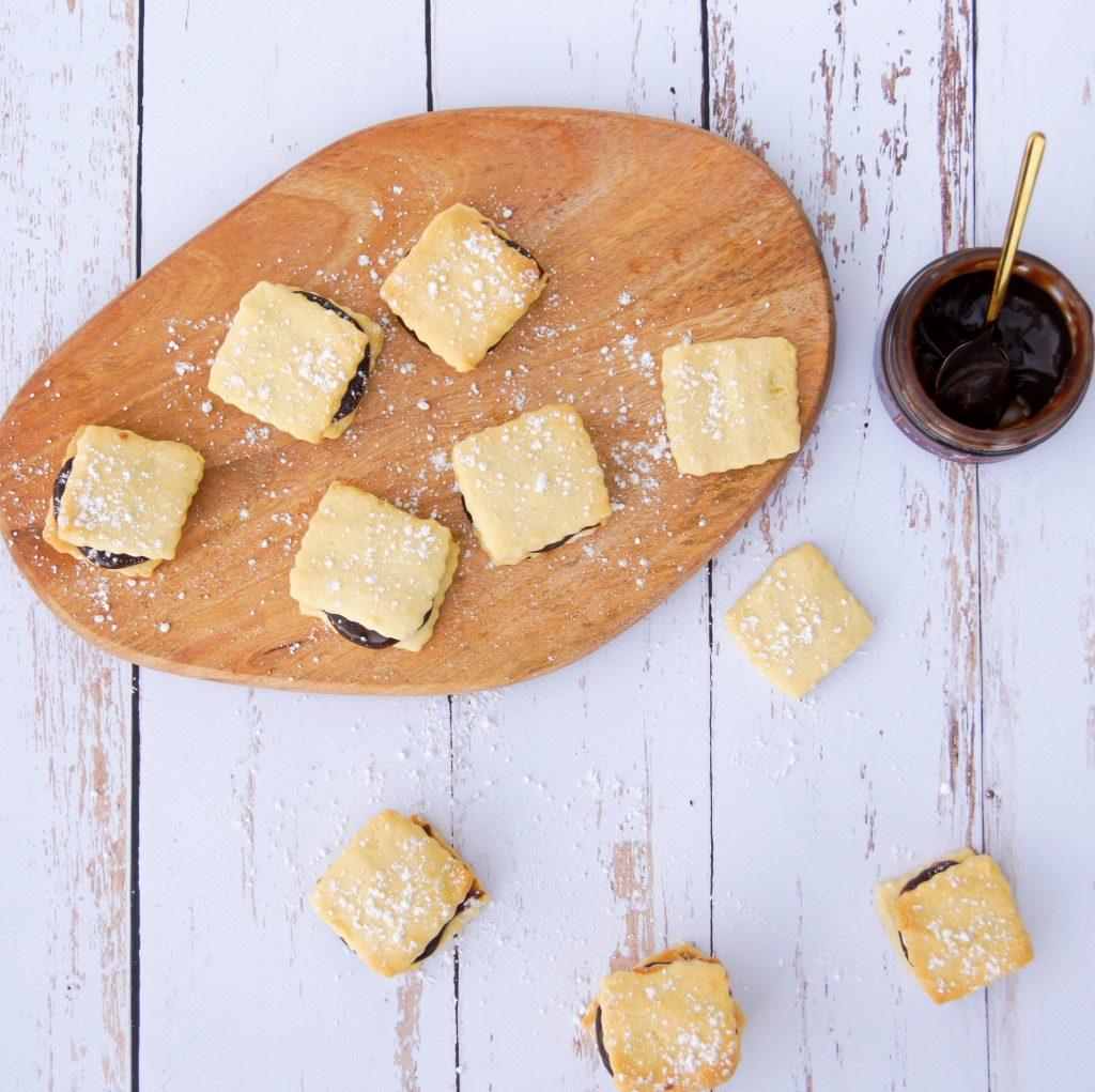 Recette biscuits sablés garnis à la pâte à tartine - Noix de Choco